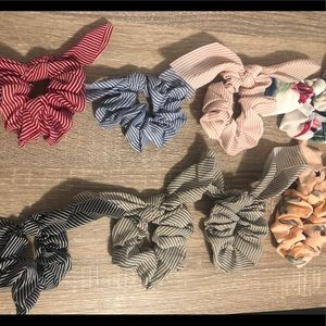 Set of 16 scrunchies all with detachable bows